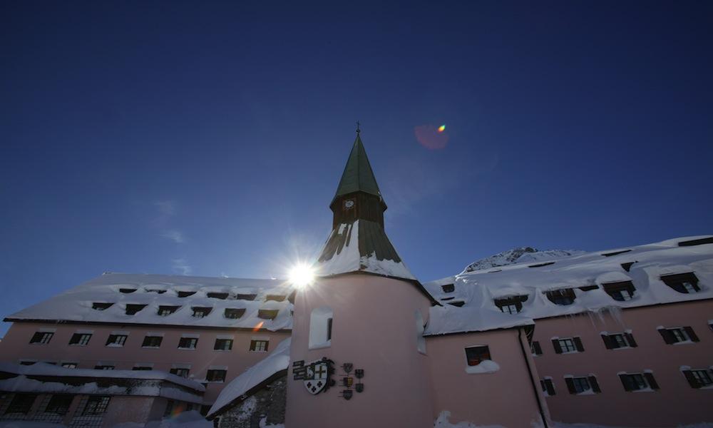 Arlberg Hospiz Exterior