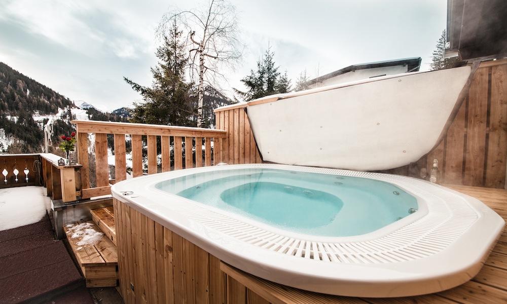 Chalet Narnia Hot Tub