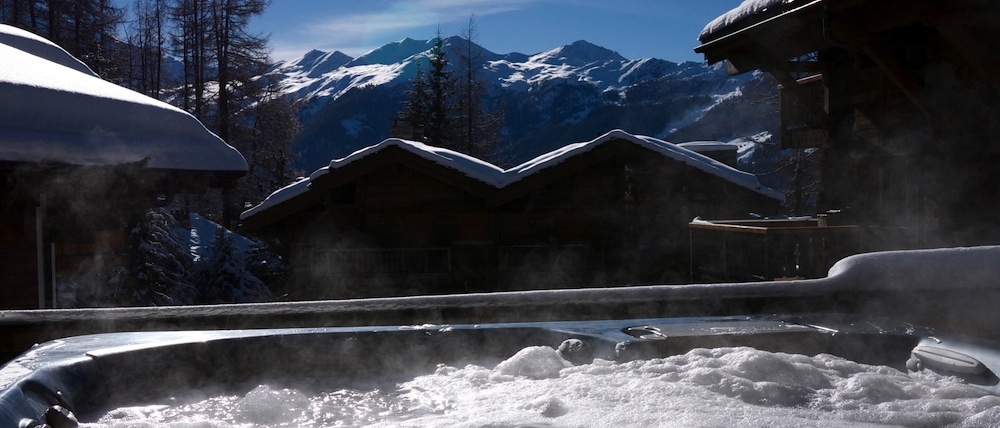 Chalet Maurine - Hot Tub in the Snow