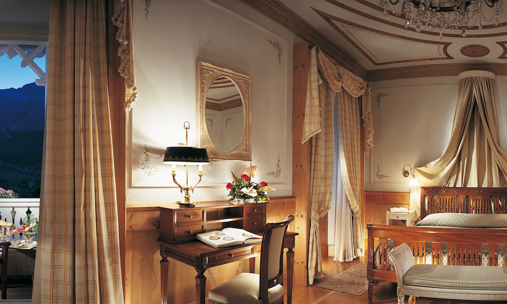 Cristallo hotel spa golf cortina d ampezzo 5 for Hotel meuble royal cortina d ampezzo